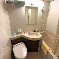 部屋トイレはウォシュレット。