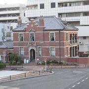 明治後半の関門地区の繁栄ぶりを示す建物。