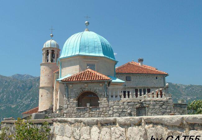岩礁のマリア教会