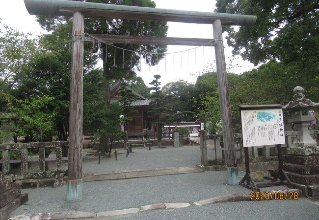 柳川の立派な神社です