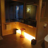 トイレ・部屋風呂・化粧台の鏡が大きくてGOOD