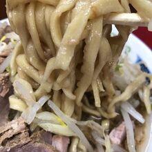 麺のリフトアップ…旨そっ!