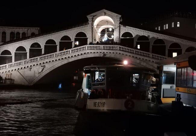 ベネチアを代表する景色でありランドマークの一つ