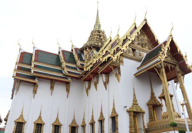 バンコクには宮殿が多い