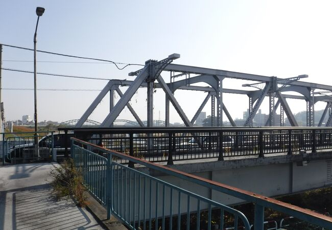橋としては、普通
