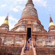 高さ72mの仏塔