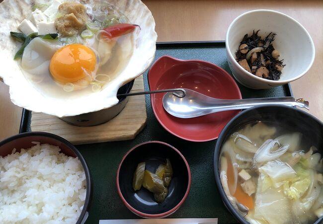 八戸駅で出立前に、郷土料理をいただきましたが、到着時にもお勧めです。