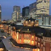東京駅の夜景を丸の内サイドから眺める時、絶景スポットはどこ?/
