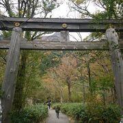 上高地明神池近くの神社
