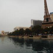 パリのエッフェル塔のミニチュア