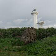 朝の散歩で灯台へ