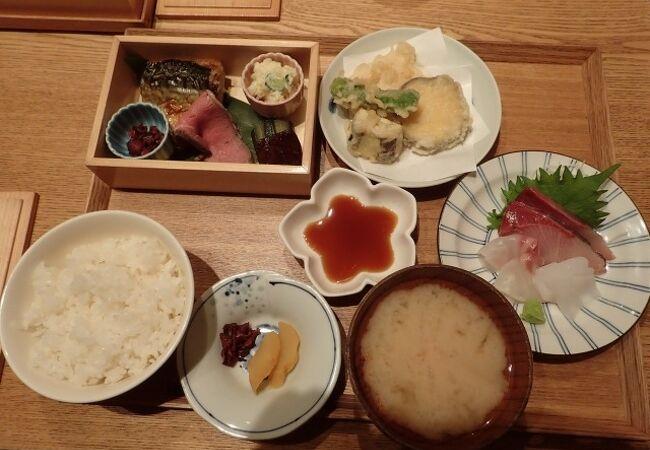 ランチコースを注文、これぞ京都おばんざい、というものが見えず、ややがっかり。個室が使えてよかった