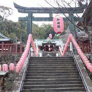 小高い山の上の神社でした。