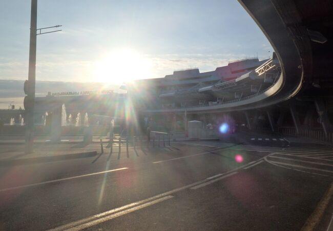 ミンスク国際空港 (MSQ)