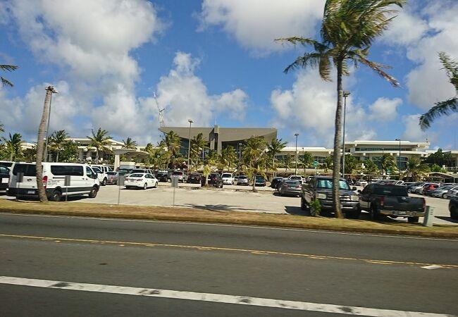 空港とホテルの移動で、往復利用