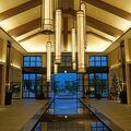 広大な敷地に点在するヴィラに滞在できるホテル。レストランの食事も美味しい。