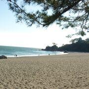 月の名所で知られる浜