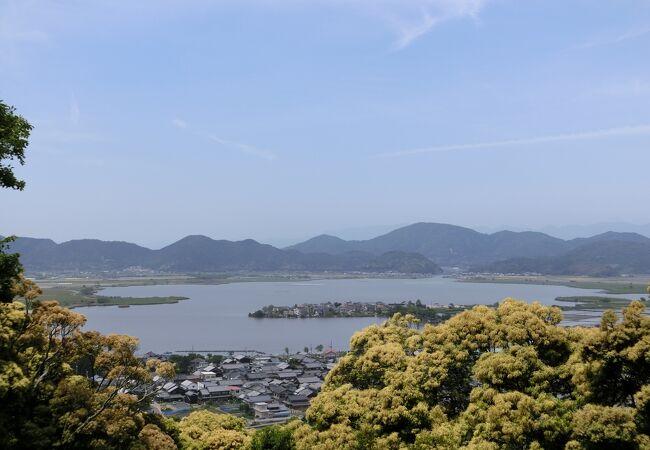琵琶湖の東端にある西の湖ですが、安土城の西側の湖だから西の湖なのでしょう