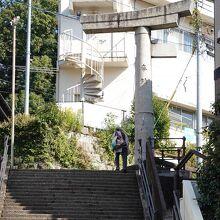 山王神社二の鳥居(一本柱鳥居)