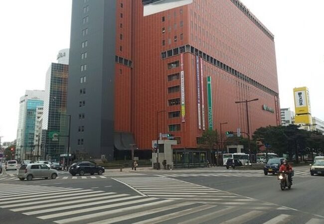 博多の顔の百貨店