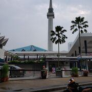 大きなモスクでした。