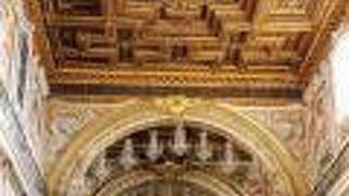 サンタ マリア イン アラチェリ教会