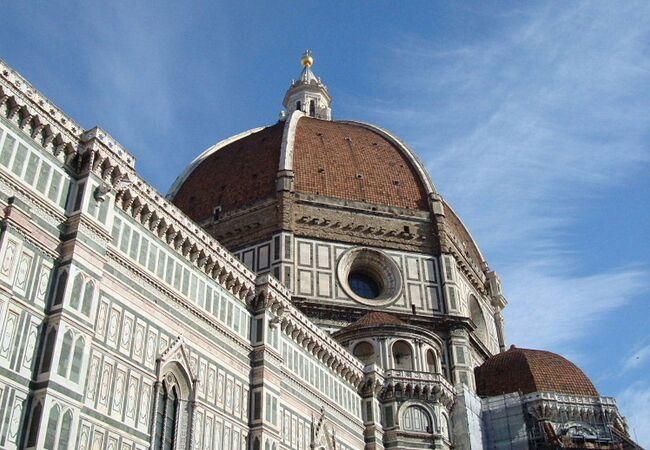 石積建築のドームとしては世界最大です。