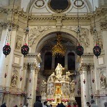 サンタ マリア デッラ サルーテ教会