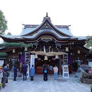 歴史は古く見どころも多い博多エリア屈指の神社