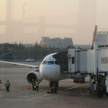 上海浦東空港に無事到着。