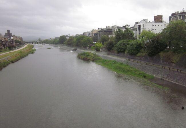 キレイな川で見惚れます