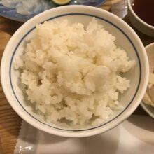 ふぐ飯(画像ではわかりづらいがふぐがちゃんと入っています)