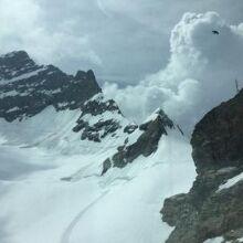 アレッチ氷河とユングフラウ
