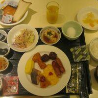 朝食バイキング盛り付けの一例