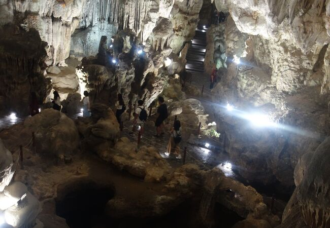 ダウゴー洞窟
