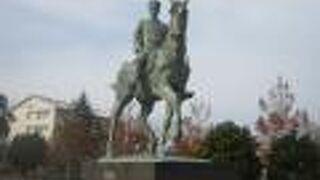 山形有朋銅像