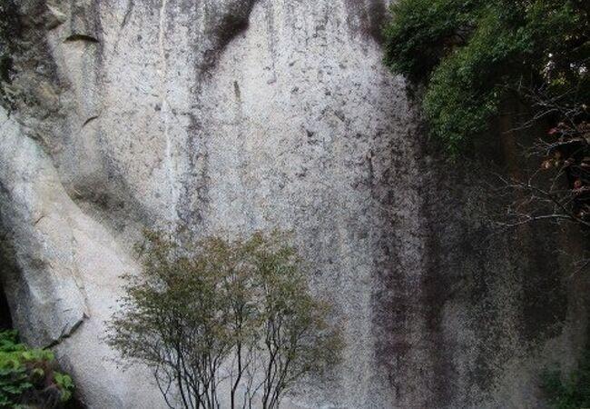 弥勒磨崖仏(京都府笠置町)