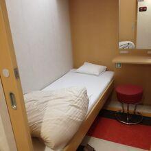 シンプルな シングルルーム