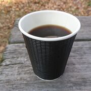 ホットブレンドコーヒー100円を購入