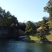 皇居・江戸城散策で二重橋を渡りました