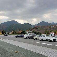 駐車場も結構広い