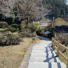 龍門滝温泉側から上がってくる散策路