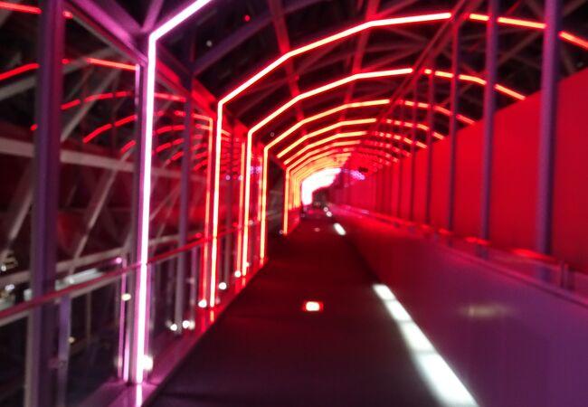 駅ビル内にある夜景とイルミネーションを無料で楽しめる場所