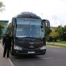 こんなバスが走っています(これはサンクトペテルブルク行き)