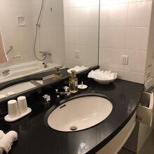洗面所、お風呂は普通