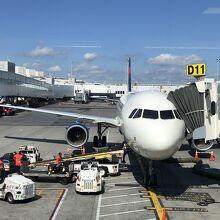 ラガーディア空港 (LGA)