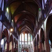 白い美しい教会