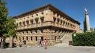 カルロス5世宮殿
