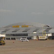 ボリースピリ国際空港 (KBP)