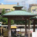 温泉神社近くの足湯です